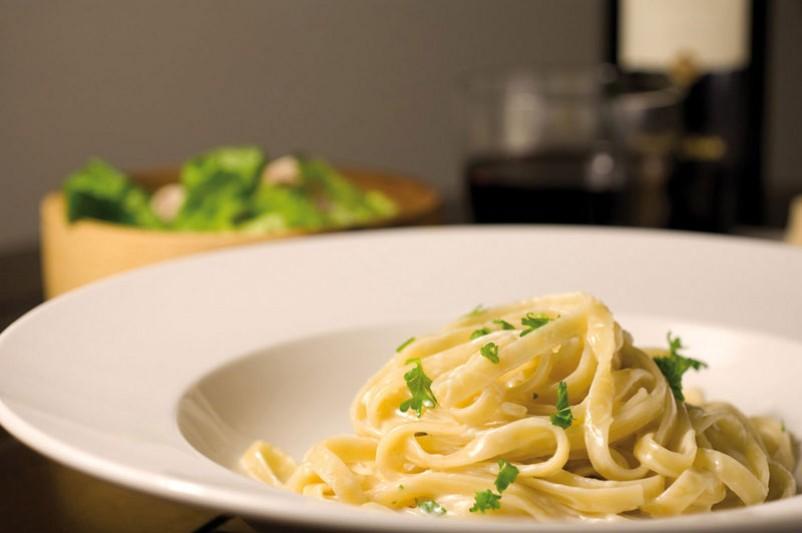Fettuccine di pasta all'uovo fresca con Asiago Stagionato DOP e burro